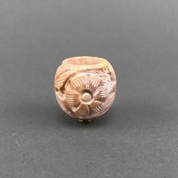 Kopf aus Stein (3) rund, geschnitzt